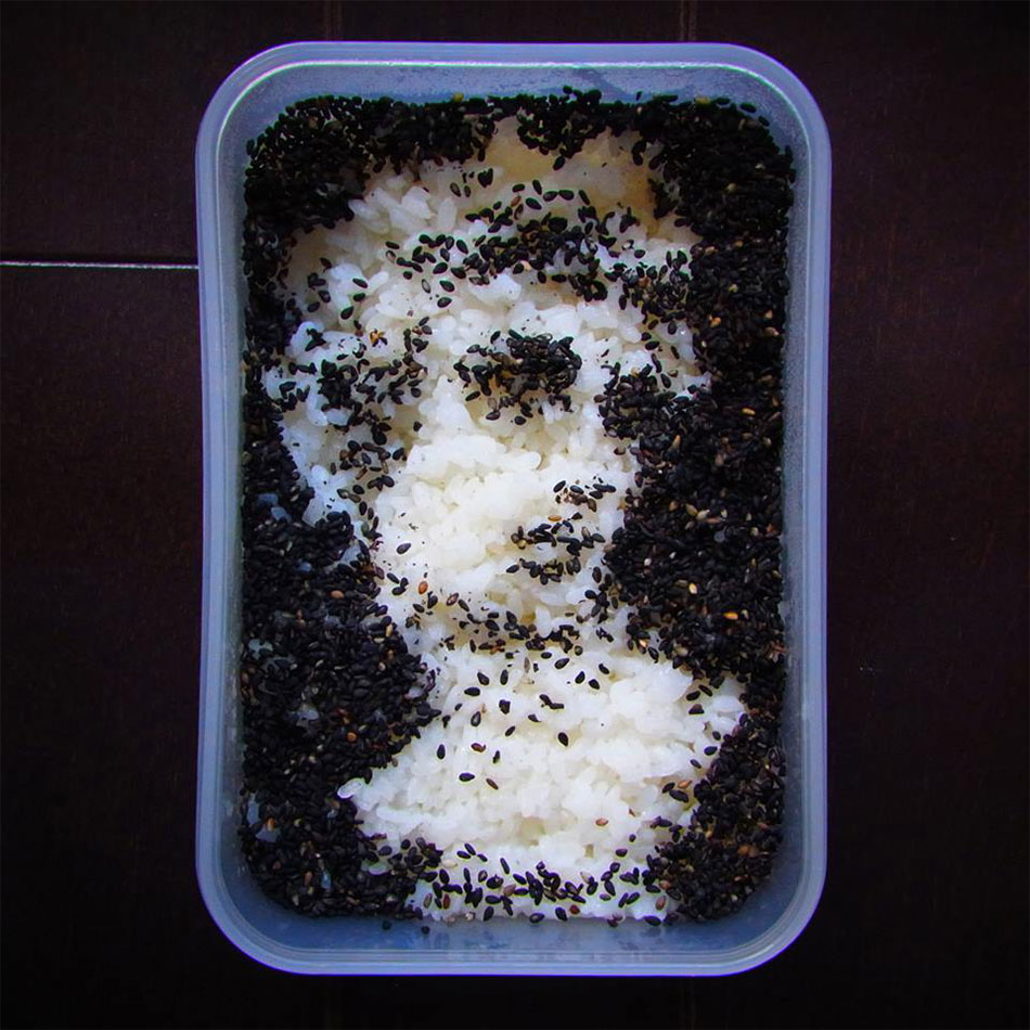 Michelangelos David made with sesame seeds in bento art
