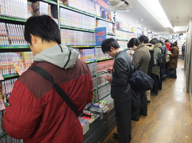 jocelyne allen interview line of people reading manga