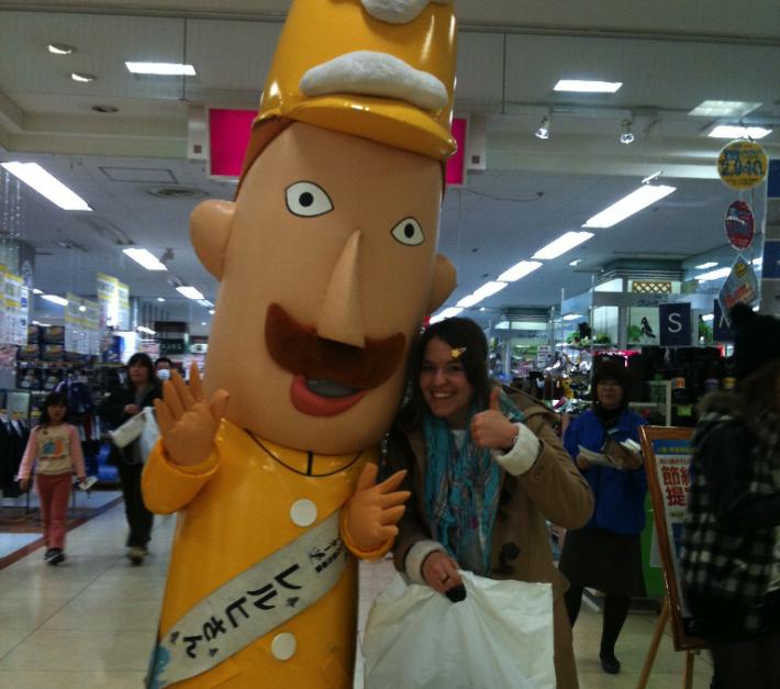 Rachel with Niigata Prefecture mascot Lerch-san
