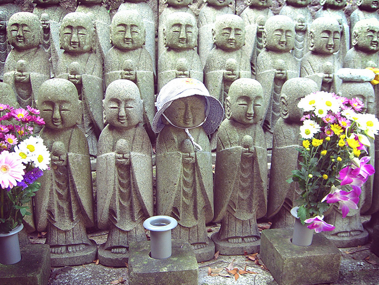 jizo in a row knitting for
