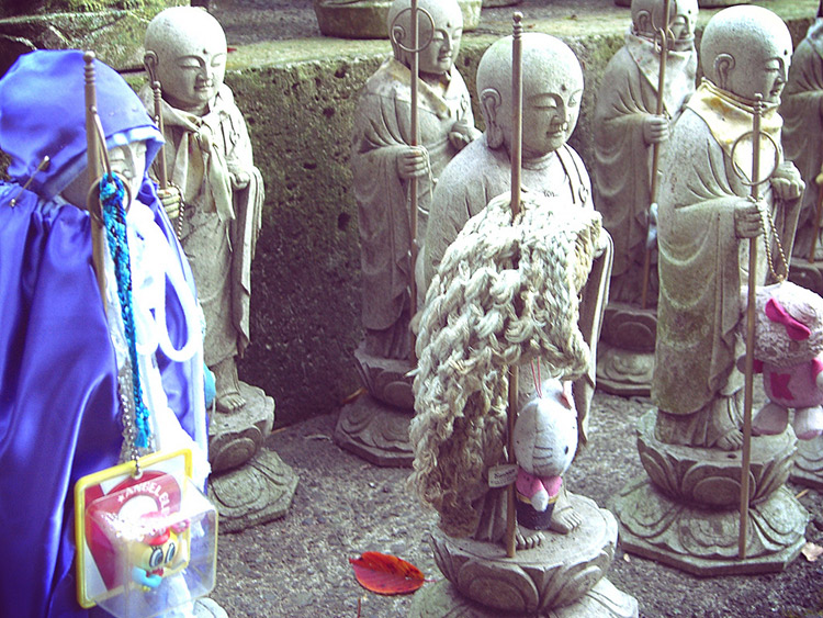 knitting for jizo with toys