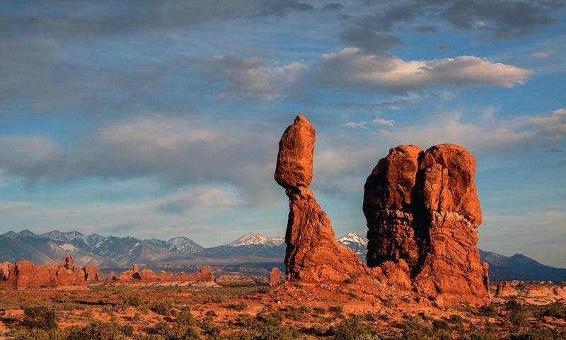 arizona geography balancing rocks in the desert