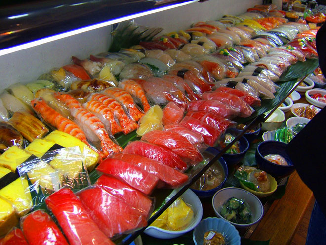 sampuru sushi on display