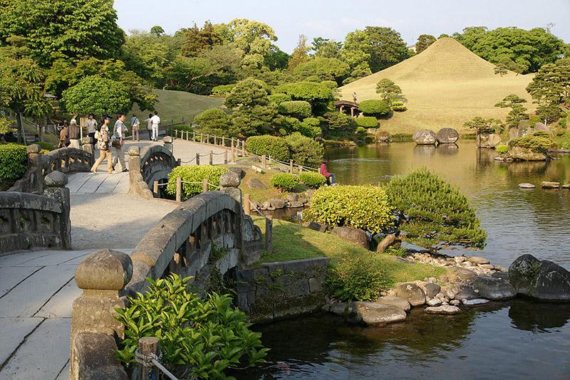 garden at Kumamoto castle