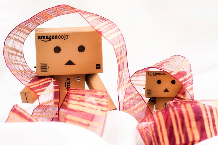 Anthropomorphic Amazon Japan boxes