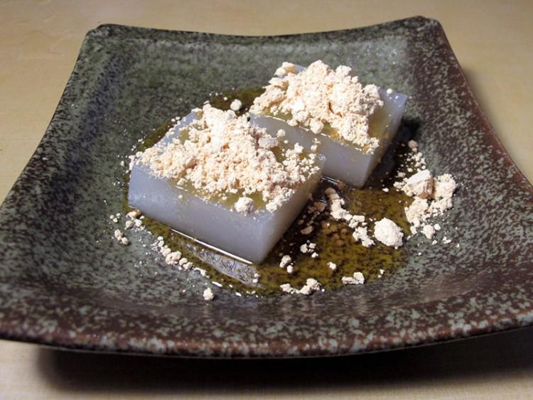 wagashi japanese sweets made with kudzu