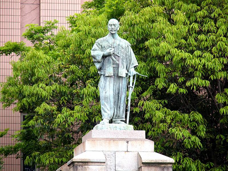 statue of Otomo Sorin