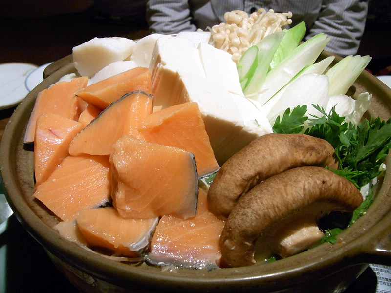 nabe ingredients in big wooden dish