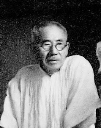 old photo of sculptor asakura fumio
