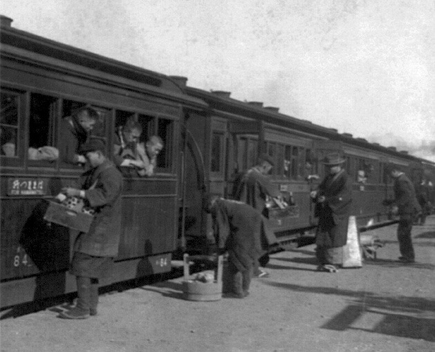 train in Japan in 1800s