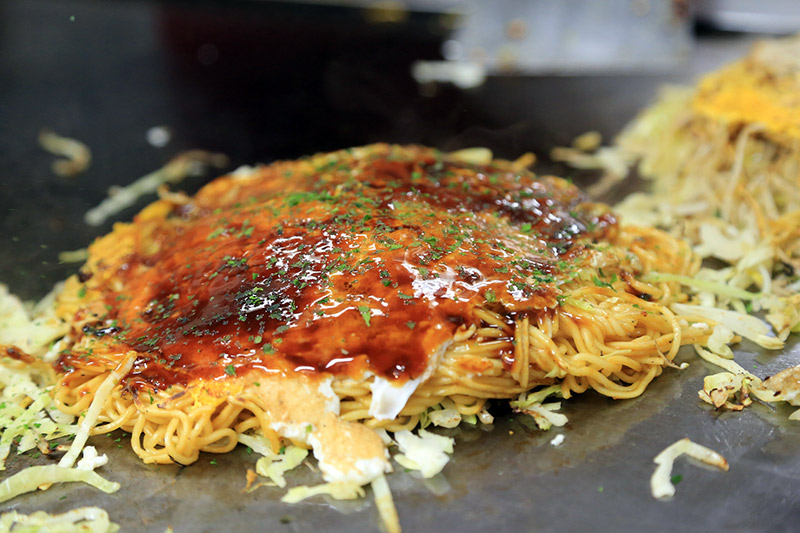 saunter into Hiroshima and try to cook up some Osaka style okonomiyaki ...
