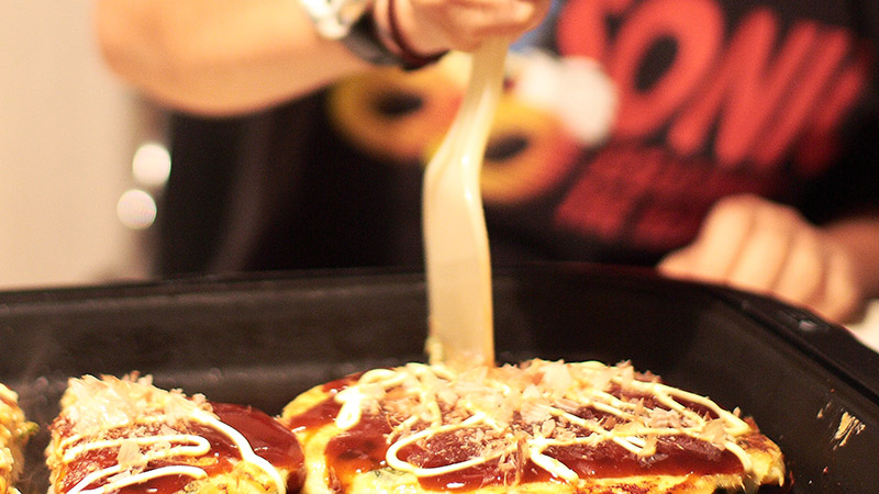 okonomiyaki at home spatula