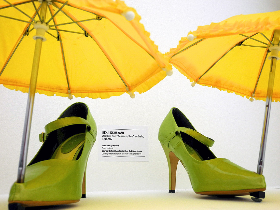 umbrella shoes chindogu created by kenji kawakami
