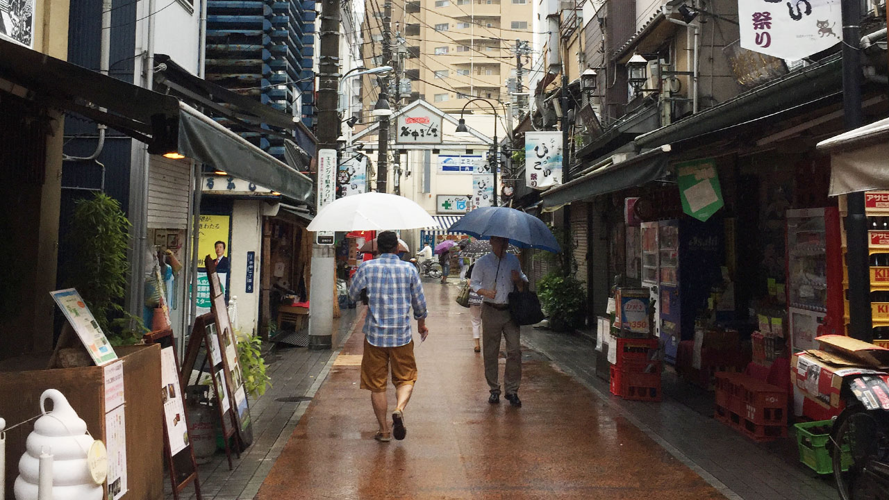 streets of yanaka ginza in tokyo