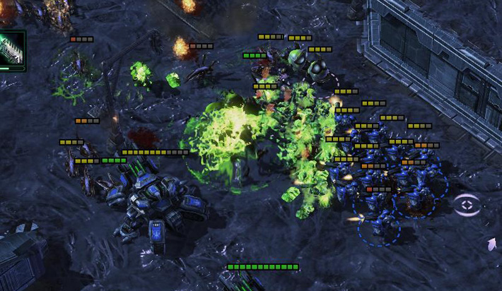 Hordes of Starcraft enemies attacking Marines learning Japanese