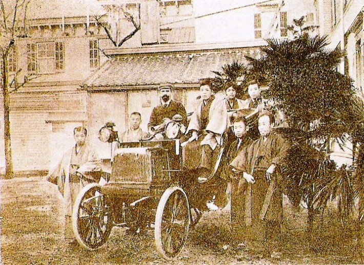 old image of one of the first cars in japan