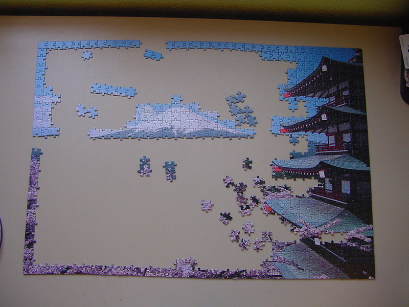 A jigsaw puzzle of Mt. Fuji in process