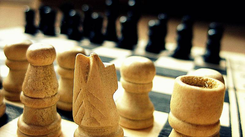 wooden carved chess set pieces