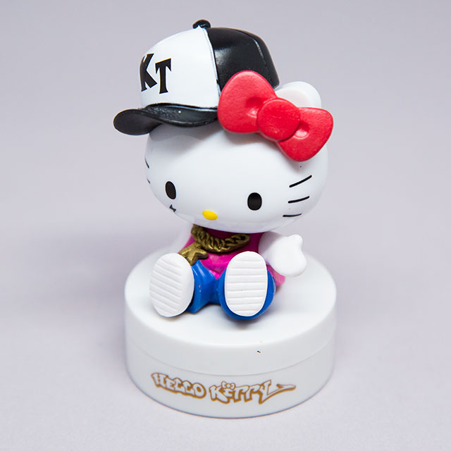 bootleg hello kitty figure