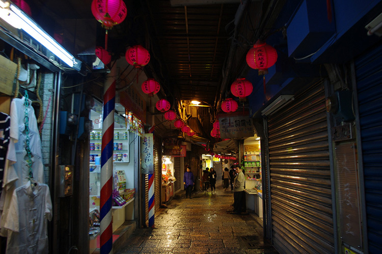 taiwanese street food lanterns closed stalls