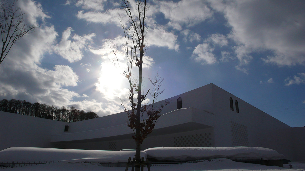 aomori museum of art white on white