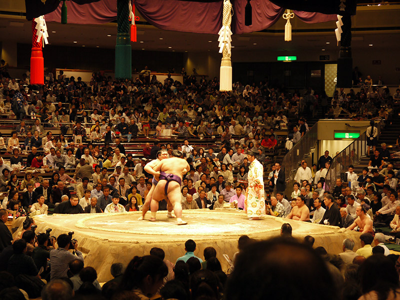 sumo wrestlers in a match