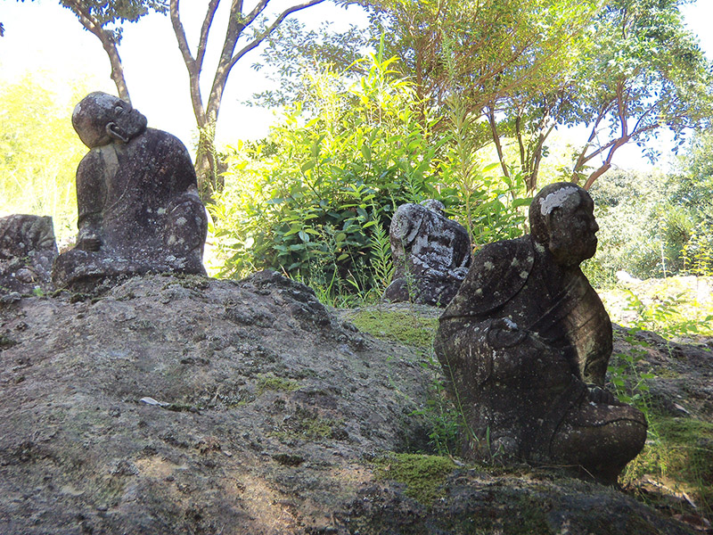 japan buddhist statues in the country
