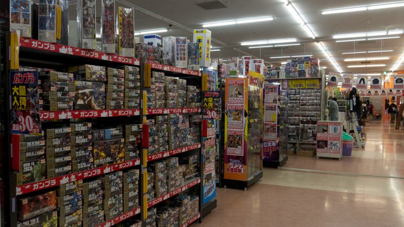 japanese store interior plastic toy displays