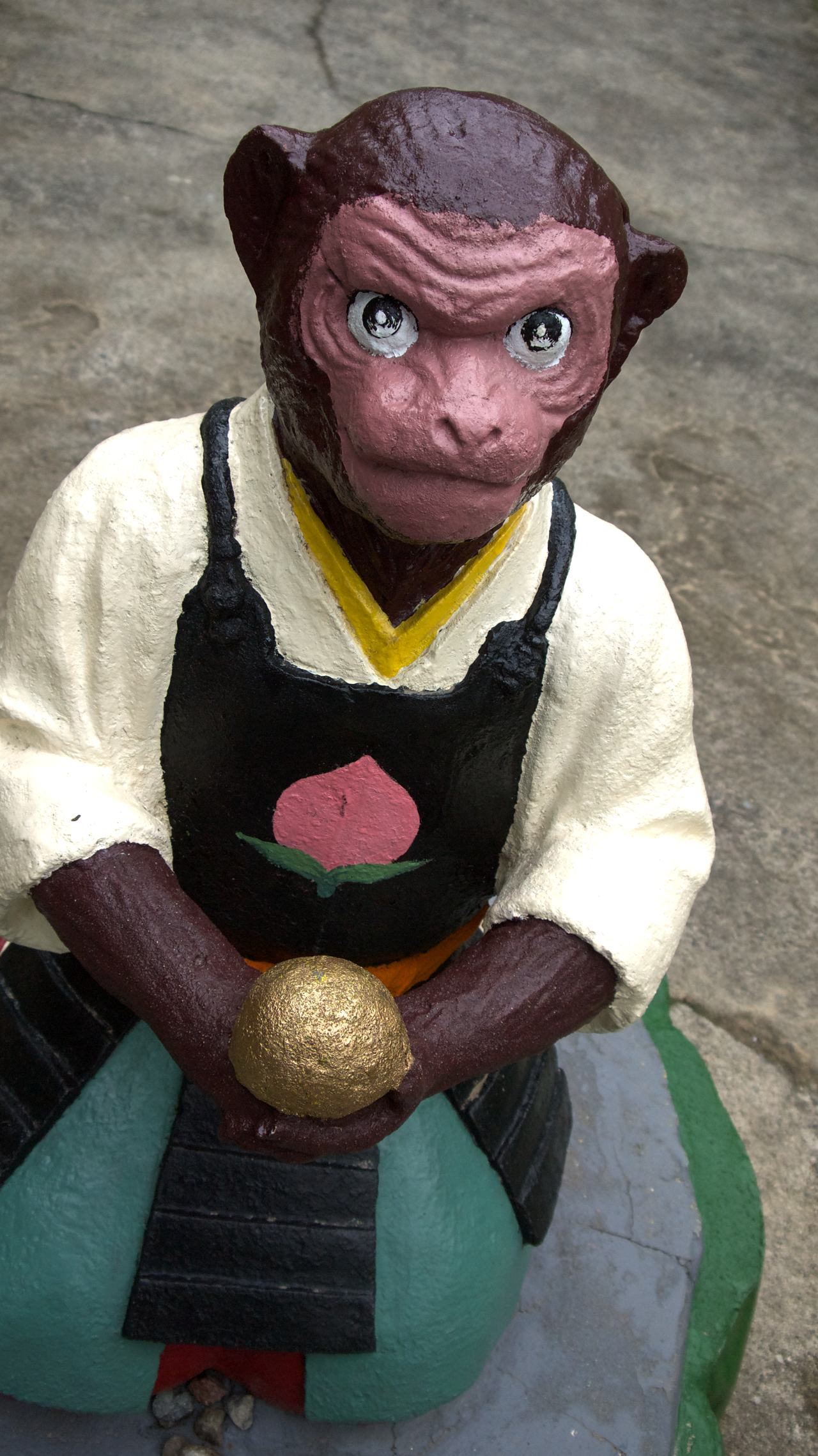 monkey statue at momotaro shrine