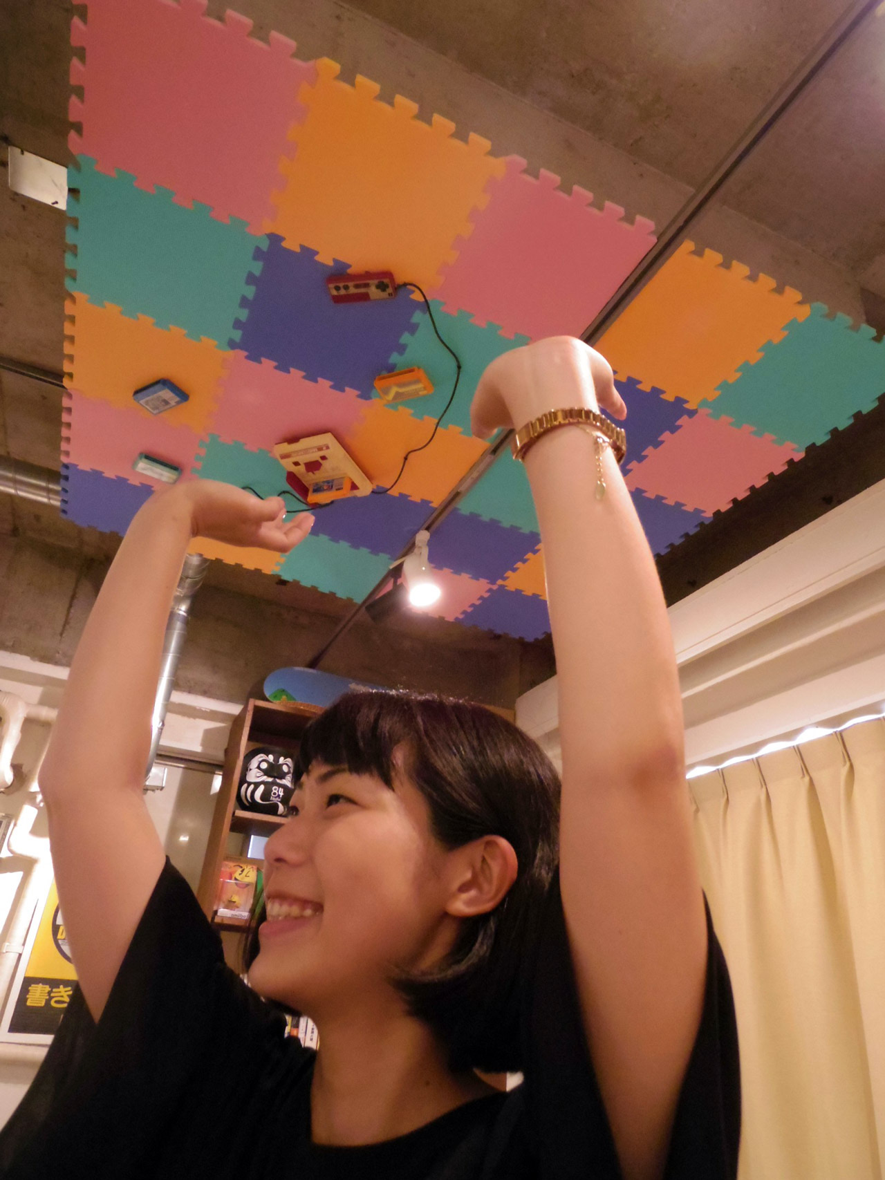 kanae holding up the ceiling