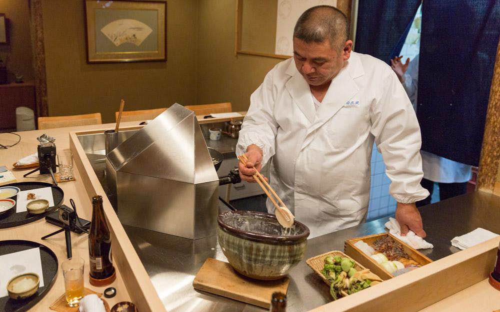 chef sakakibara making tempura