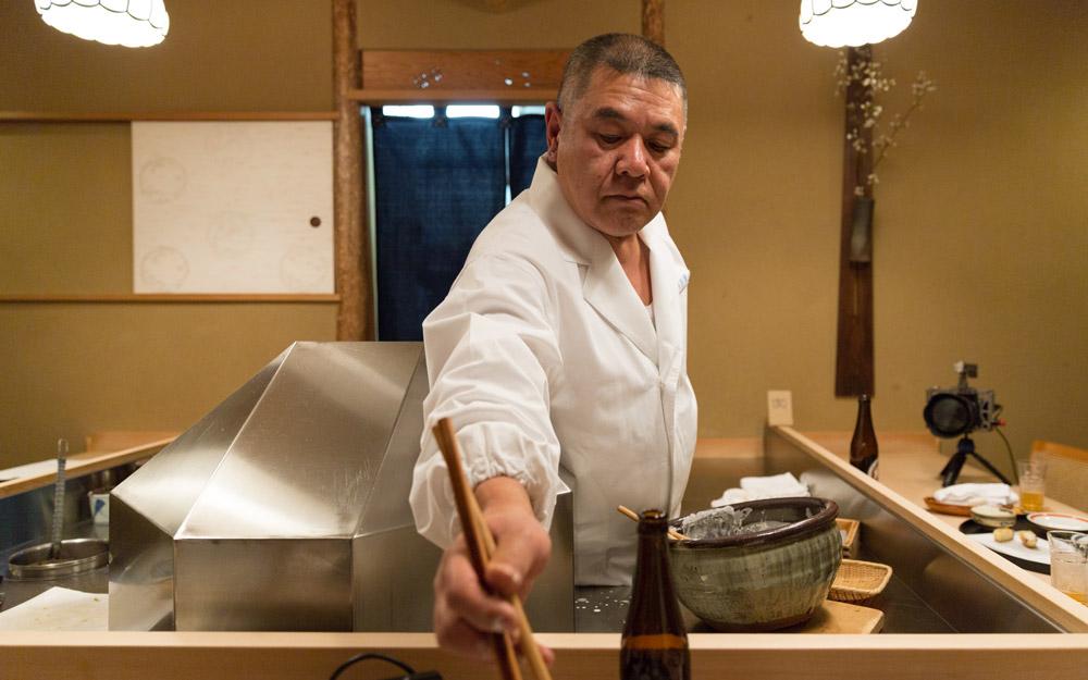 chef sakakibara at nanachome kyoboshi tempura