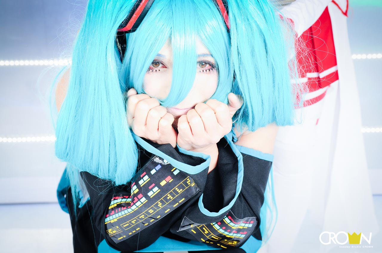 studio crown professional photo of hatsune miku cosplay